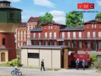 Auhagen 11429 Állomási tolatómozdony fűtőháza (Kö)