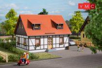 Auhagen 11453 Favázas családi ház (H0)