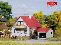 Auhagen 12222 Ház garázzsal (H0/TT)