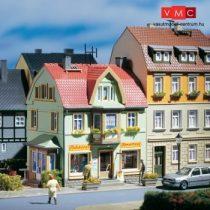 Auhagen 12247 Városi sorház, pékség (H0/TT)