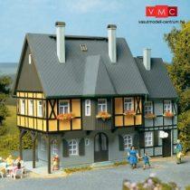 Auhagen 12343 Favázas lakóház, Bahnhofstraße 1 (H0/TT)
