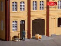 Auhagen 80251 Gyárkapuk és ajtók barna színben, lépcsőfokok és rámpák