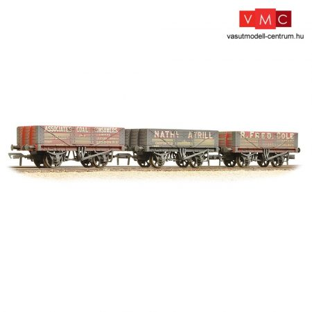 Branchline 37-097 5 Plank Wooden Floor 3-Wagon Pack 'Private Owner Coal Traders' - Weathered