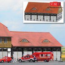 Busch 1451 Tűzoltósági gépjárműcsarnok Schwenningen, valódi fából (H0)