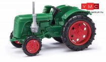 Busch 210004400 Famulus traktor oldalvágóval, piros felnikkel (H0)