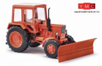 Busch 51309 Belarus MTZ 82 traktor hótolólappal (H0)