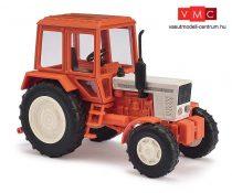 Busch 51310 Belarus 572 traktor, bézs/piros (H0)