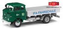 Busch 95154 IFA W50 L Fp platós teherautó, IFA Fahrschule (H0)
