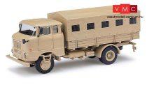 Busch 95155 IFA W50 L Fp katonai ponyvás teherautó, homokszínben, Irak (H0)