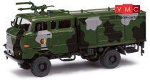 Busch 95219 IFA W50 LA TLF GMK katonai tűzoltó, álcafestéssel, NVA (DDR) (H0)