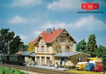 Faller 110107 Vasútállomás Güglingen, raktárépülettel