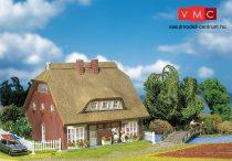 Faller 130250 Szalmatetős családi ház kerítéssel