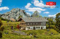 Faller 130553 Nagy alpesi lakóház, parasztudvar (H0)