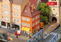 Faller 130617 Városi emeletes sarokház postával (H0)