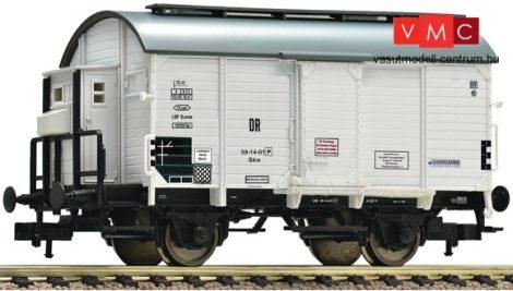 Fleischmann 545514 Fedett borszállító teherkocsi, fékházzal, DR (E3)