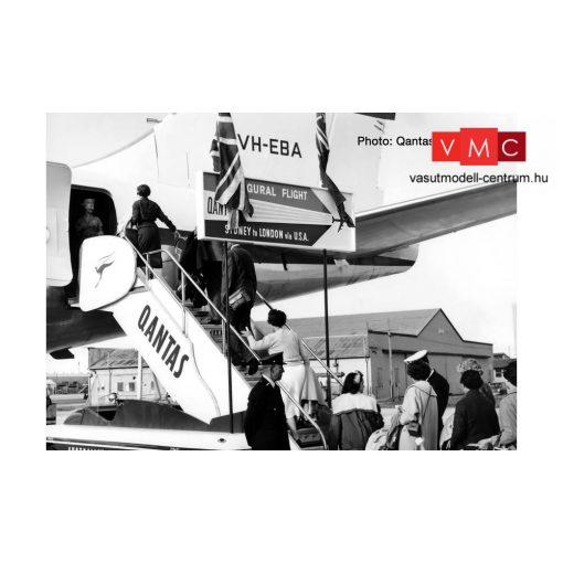 Herpa 571005 Utaslépcső vontatóval - Qantas (1:200)