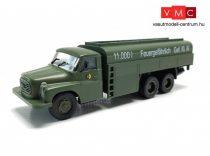 Igra Model 66817005 Tatra 148 katonai üzemanyagszállító teherautó - NVA/DDR (H0)