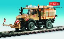 Kibri 16303 UNIMOG kétéltű (út-vasút) jármű, locsolókocsi