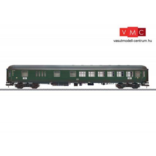 Märklin 58056 Személykocsi, négytengelyes BD4üm-61, 2. osztály/poggyász, DB (E3) (1) - gyárilag koszolt