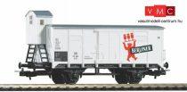 Piko 58925 Fedett sörszállító teherkocsi fékházzal, G02, Berliner Pilsner, DR (E3) (H0)