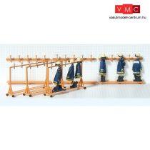 Preiser 31024 Tűzoltósági öltöző-kiegészítők, gurulós fogasok (H0)