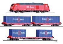 Tillig 1445 Analóg kezdőkészlet: TRAXX dízelmozdony tehervonattal, DB-AG (E6), ágyazatos o