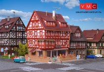 Vollmer 7693 Favázas emeletes városi ház, ruhabolt, LED világítás és belső berendezéss