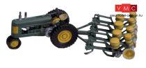 Woodland Scenics D208 Seeder & Tractor(1938-1946)