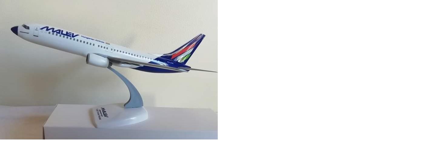 Malév 737-800